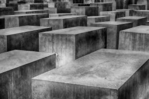 holocaust-1621728_960_720